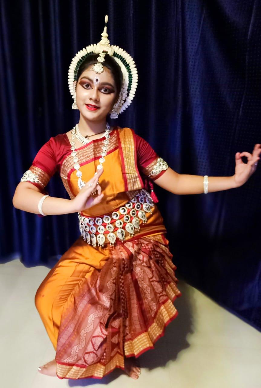 SAMRIDHHI MITRA ODISSI DANCER BY MAGIC BOOK OF RECORD